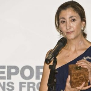 Ingrid Betancourt Holds Her Award From Reporteres Sans Frontieres On September 24, 2009 In Montreal. Betancourt Was Captured By FARC In 2002 While Campaigning For The Colombian Presidency And Held For Six Years Until Her Release.   AFP PHOTO / ROGERIO BARBOSA (Photo Credit Should Read ROGERIO BARBOSA/AFP/Getty Images)