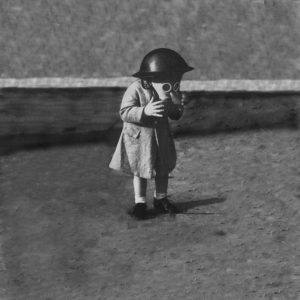 Innersanctum - Enfant Masque à Gaz